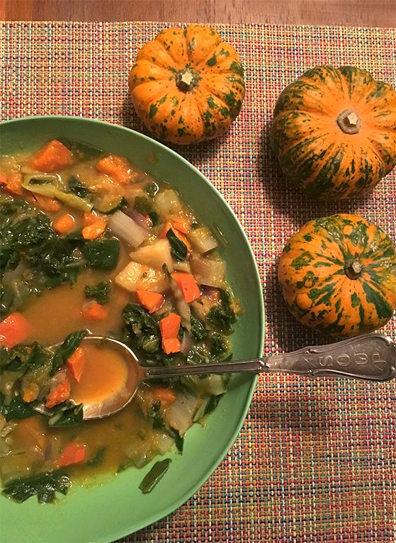 Soupe de potimarron et chou kale, recette de Laura Zavan