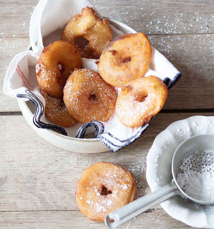 Beignets de pommes, recette de Laura Zavan