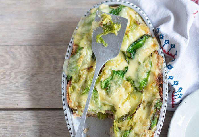 Soupe de pain, chou et fontina, recette de Laura Zavan